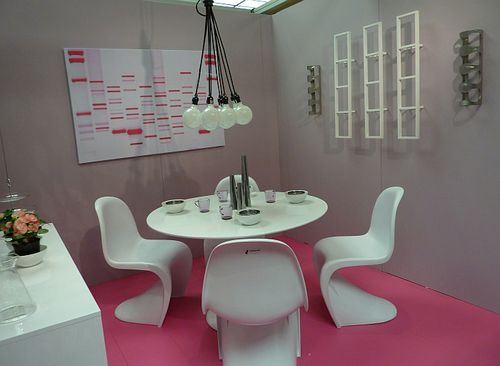 Hot new dining room trends hot pink
