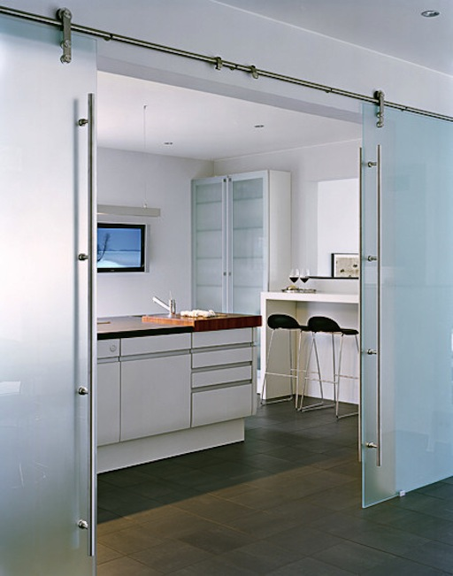 James-Silverman-sodebergantur-glass-barn-doors-1